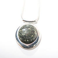Lizard Serpentine Round drop pendant